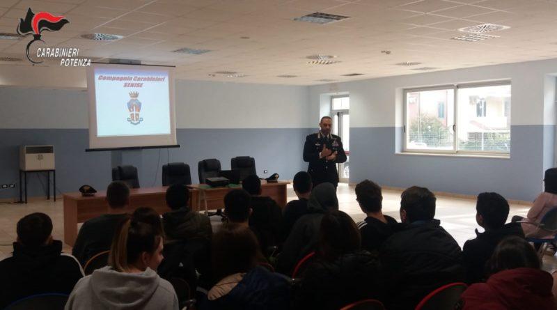 Sant'Arcangelo (PZ):  I Carabinieri a scuola per diffondere la cultura della legalità.